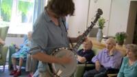 Banjo player at care home