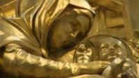 Gold statue of Mary and Jesus