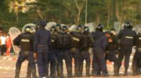 Afcon 2015: Police attacked before Equatorial Guinea match