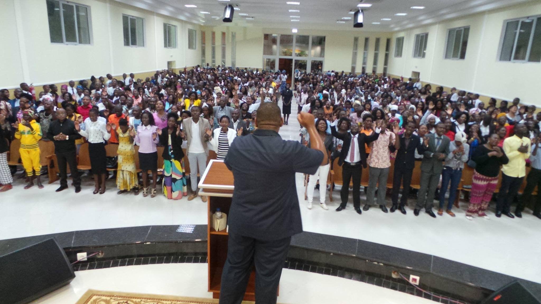 Pastores da Universal em Angola rompem com Edir Macedo e pedem ...