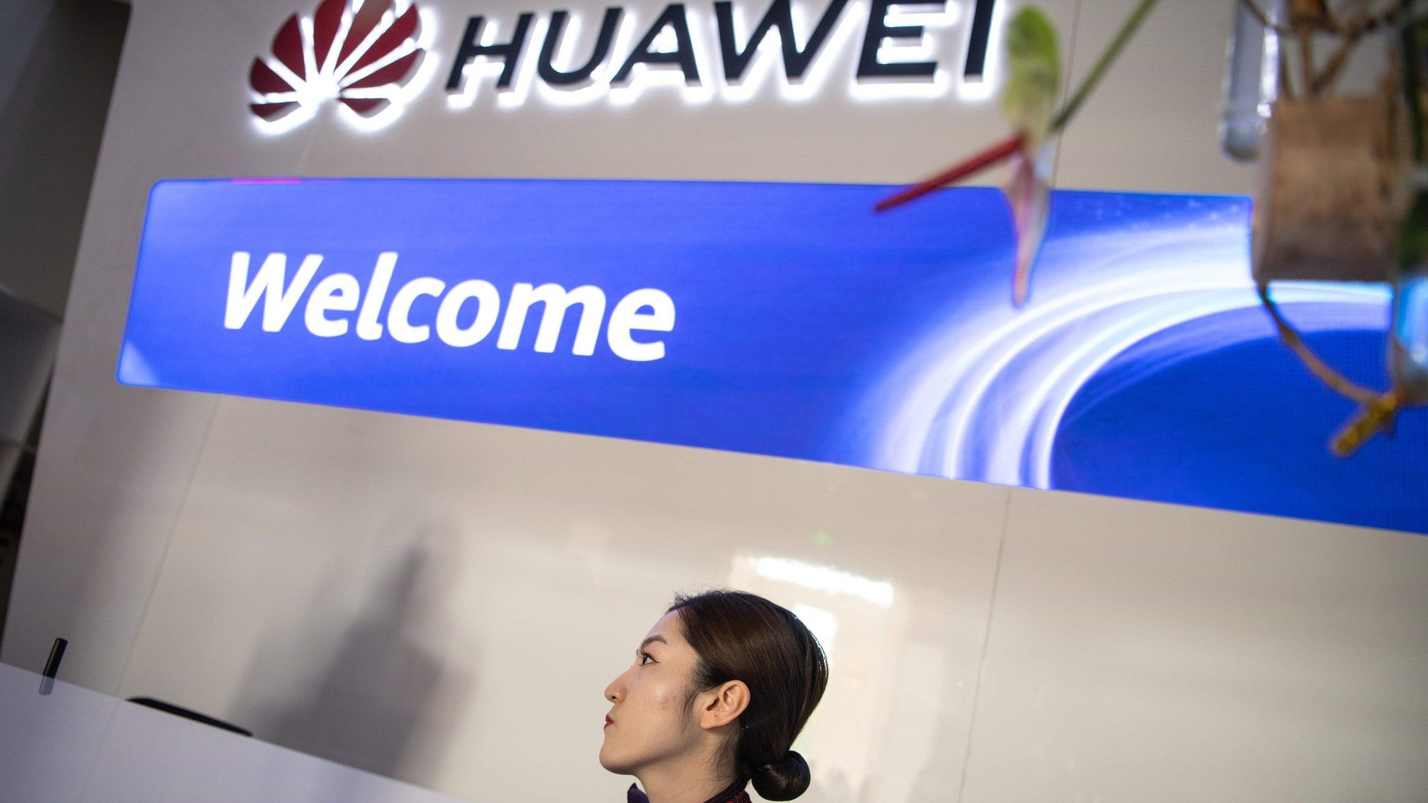 Huawei's use of Android restricted by Google - BBC News