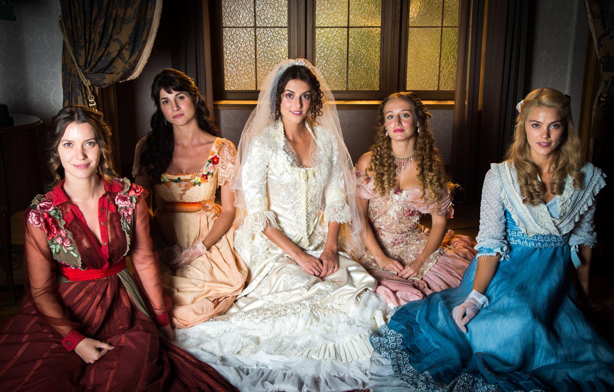 The five daughters of the Benedito family in the Brazilian soap opera Orgulho e Paixão