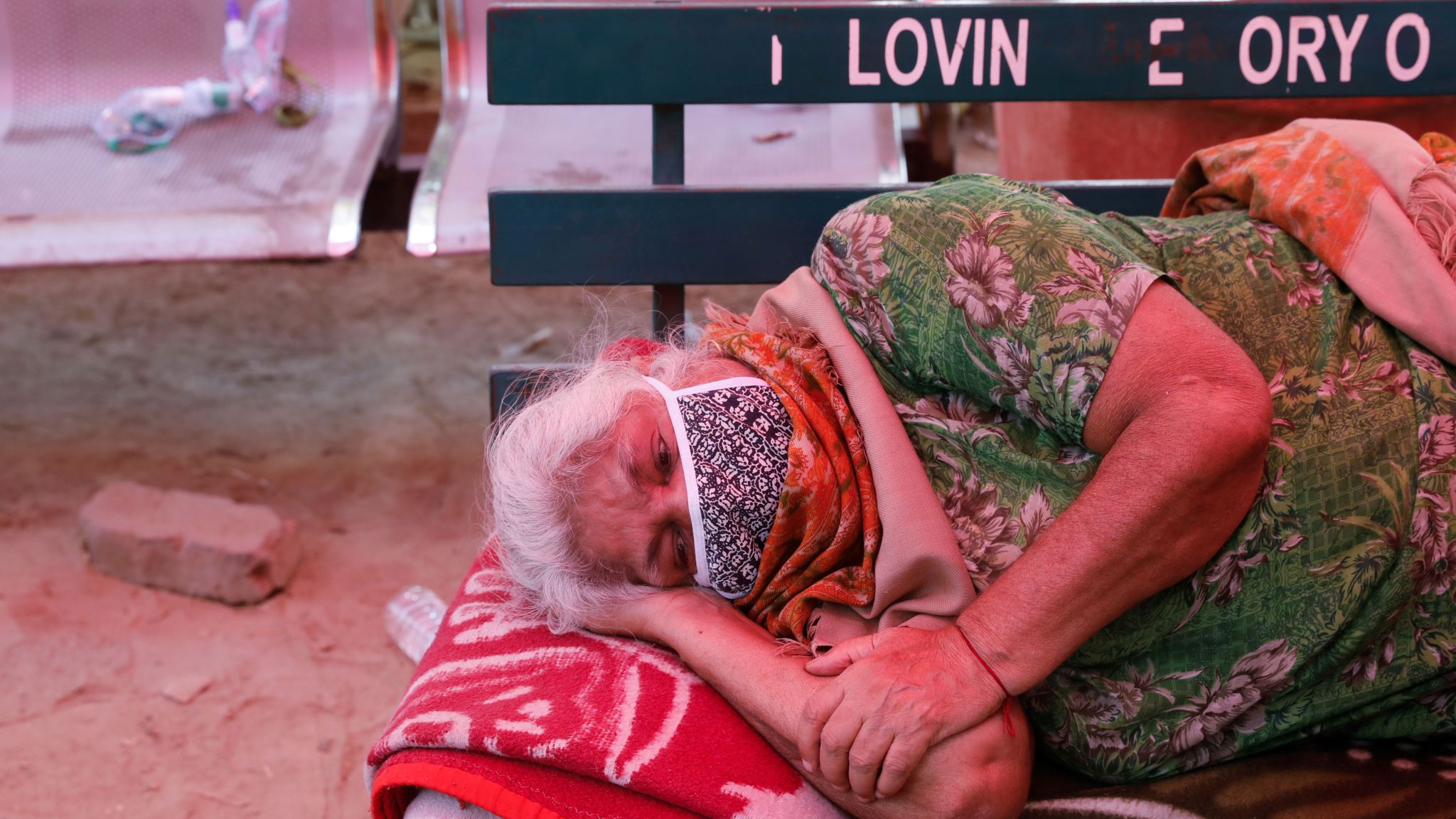Image of a woman seeking treatment for Covid in India
