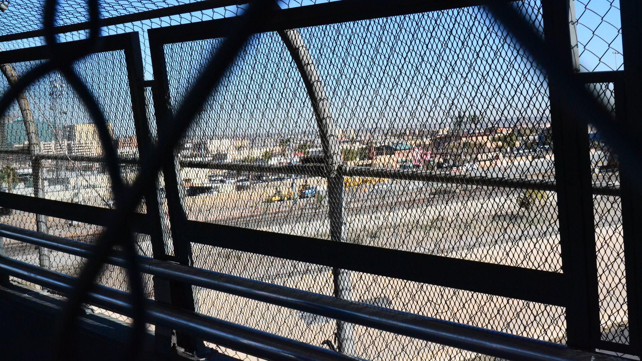 Paso del Norte bridge between the US and Mexico