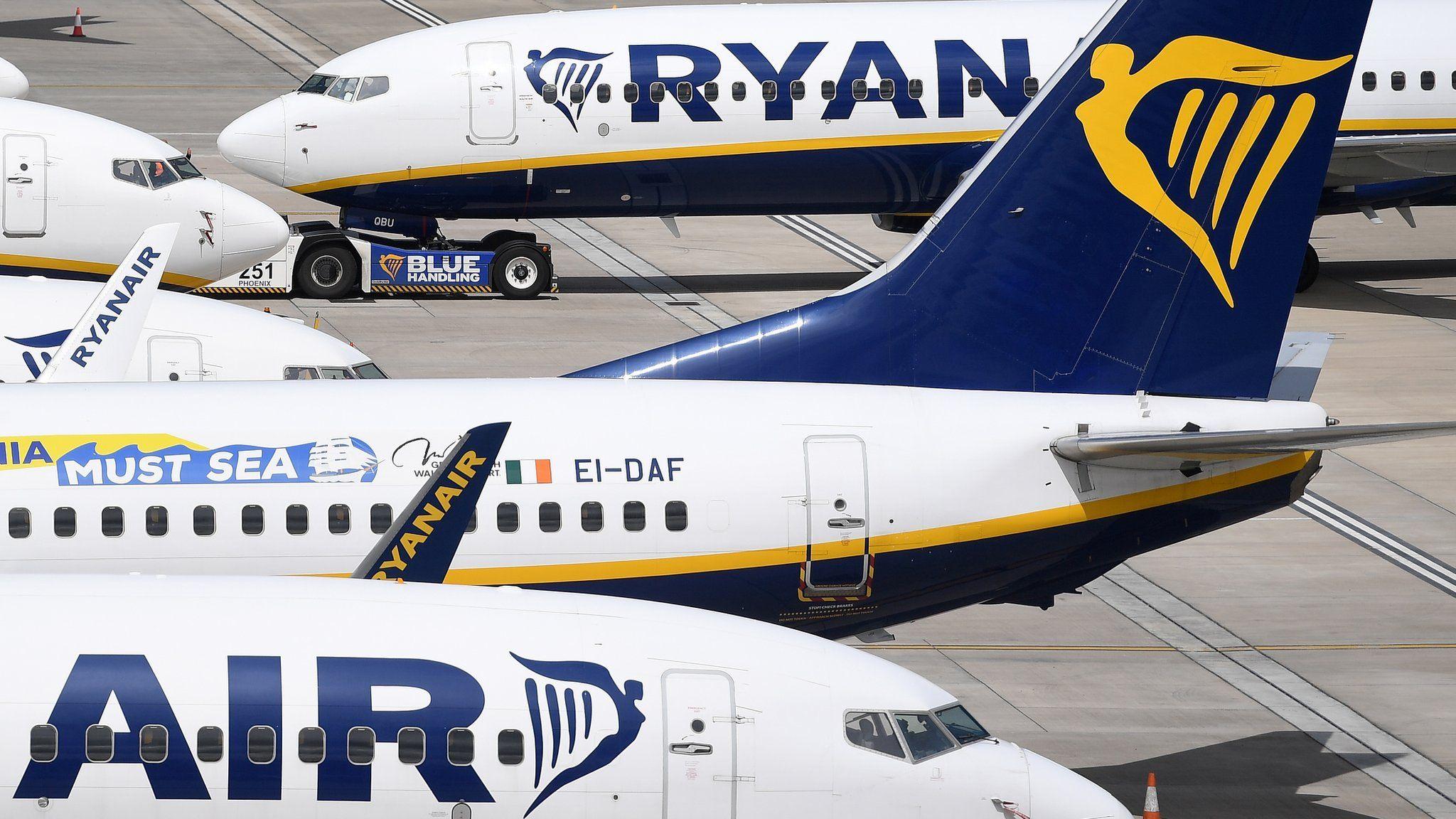 Ryanair still flying to Spain despite quarantine - BBC News