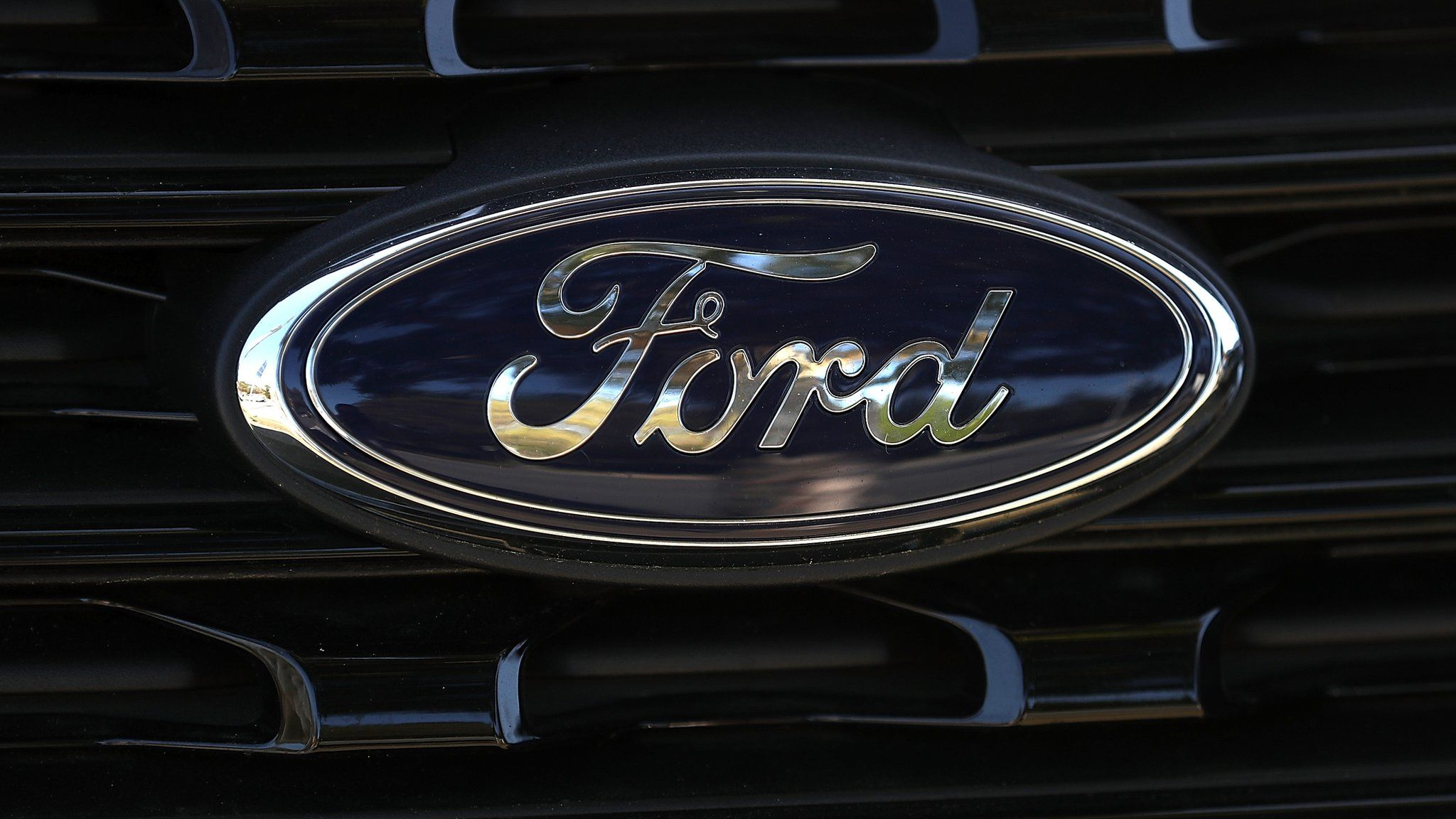 Ford to refund 'engine fail' EcoBoost customers - BBC News