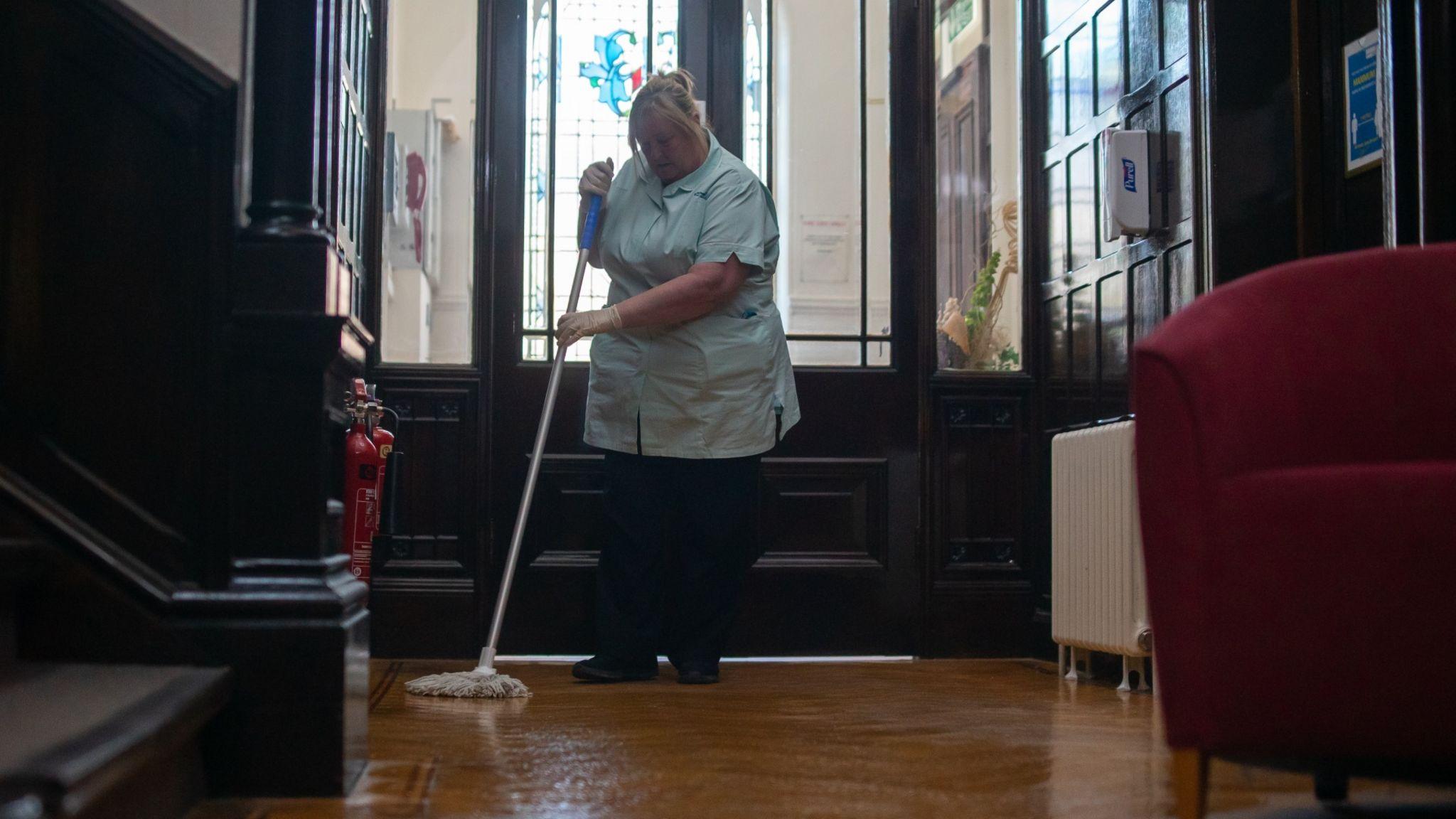 Karen cleaning