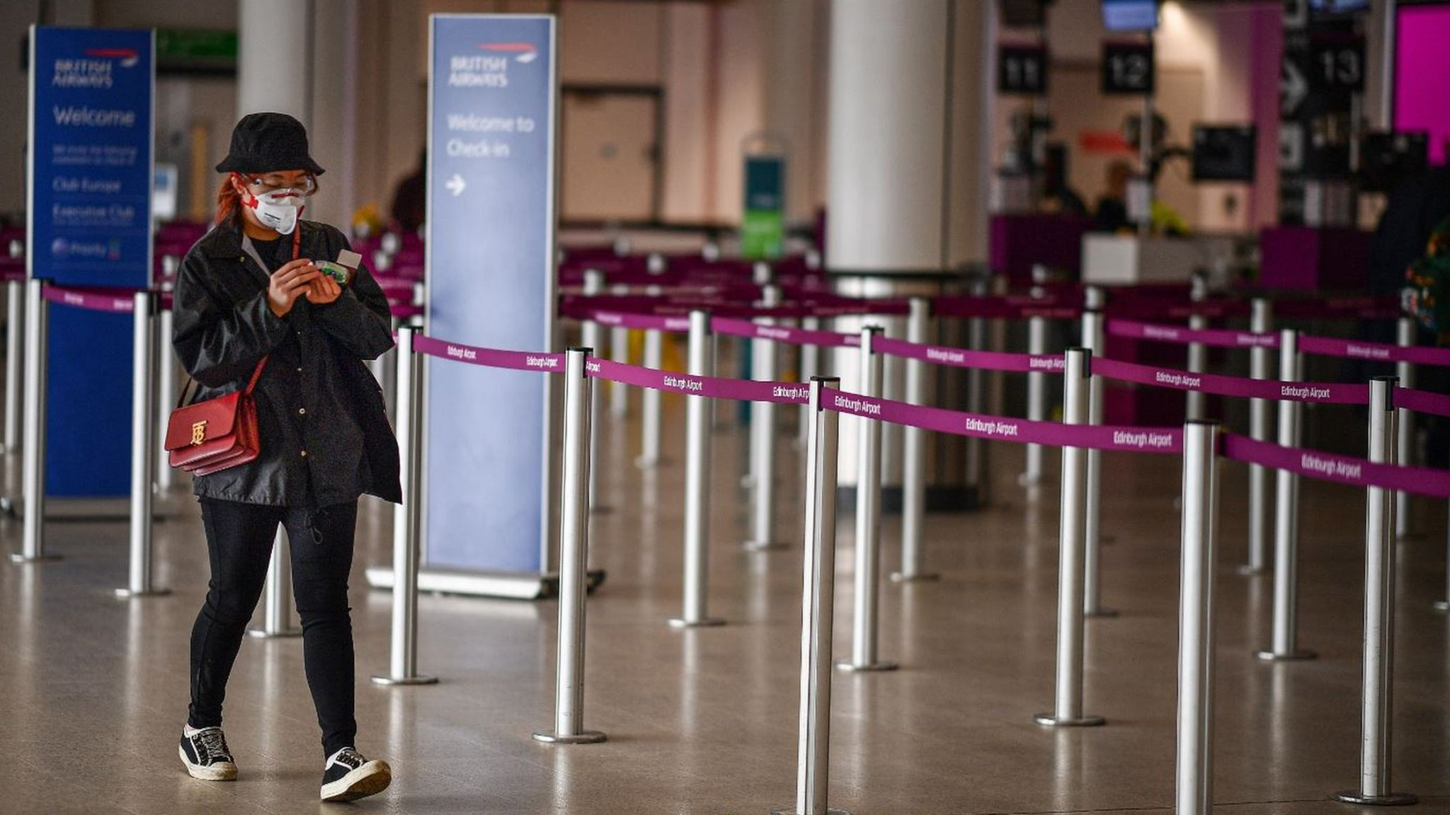 Passenger arrives at Edinburgh