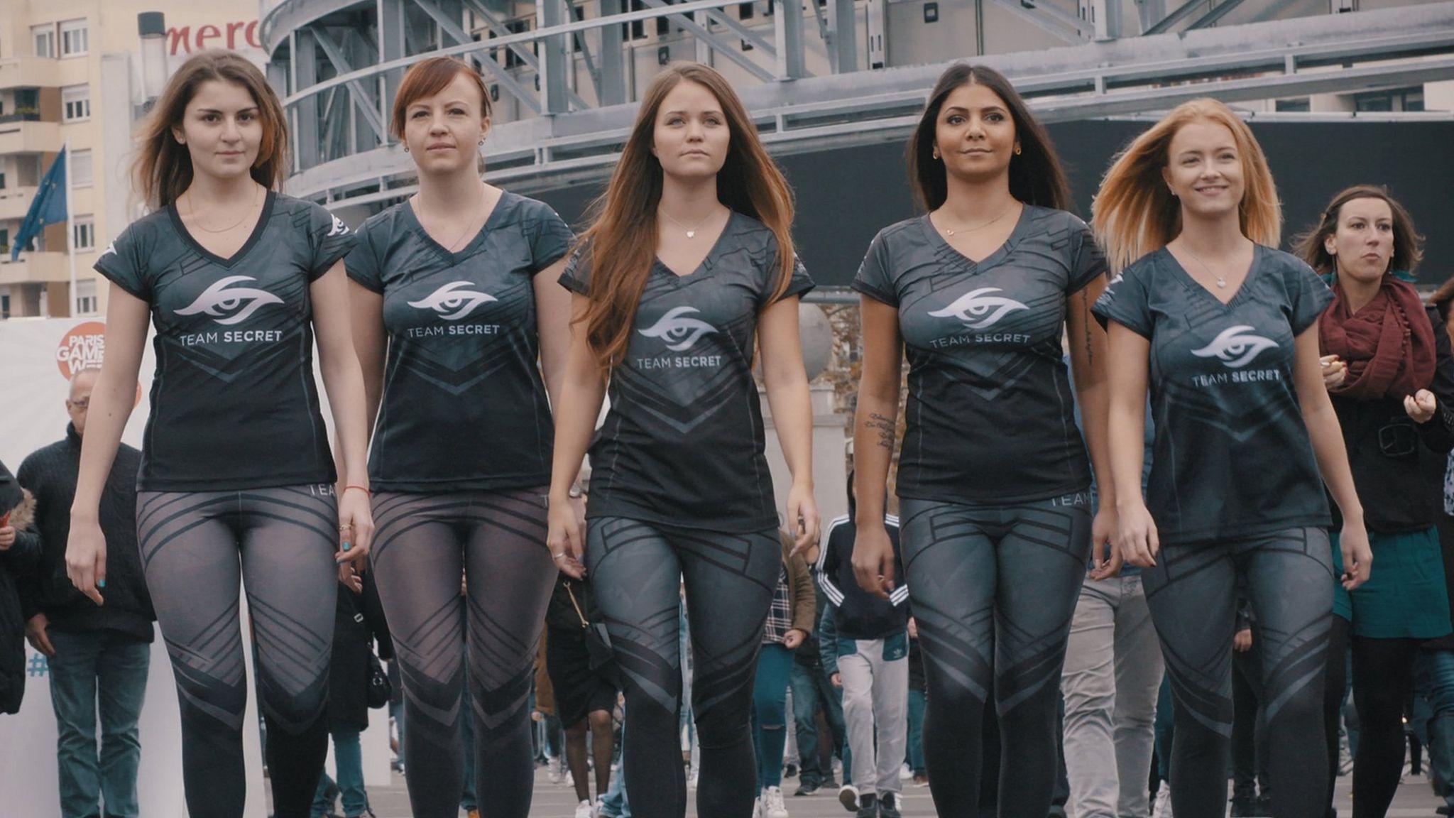 Team Secret walk into the tournament arena