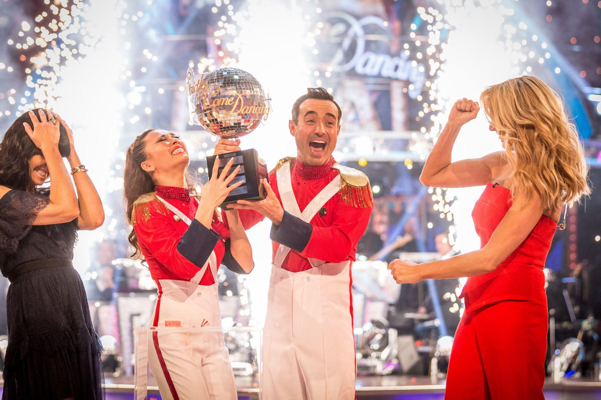 Joe McFadden wins Strictly Come Dancing in 2017