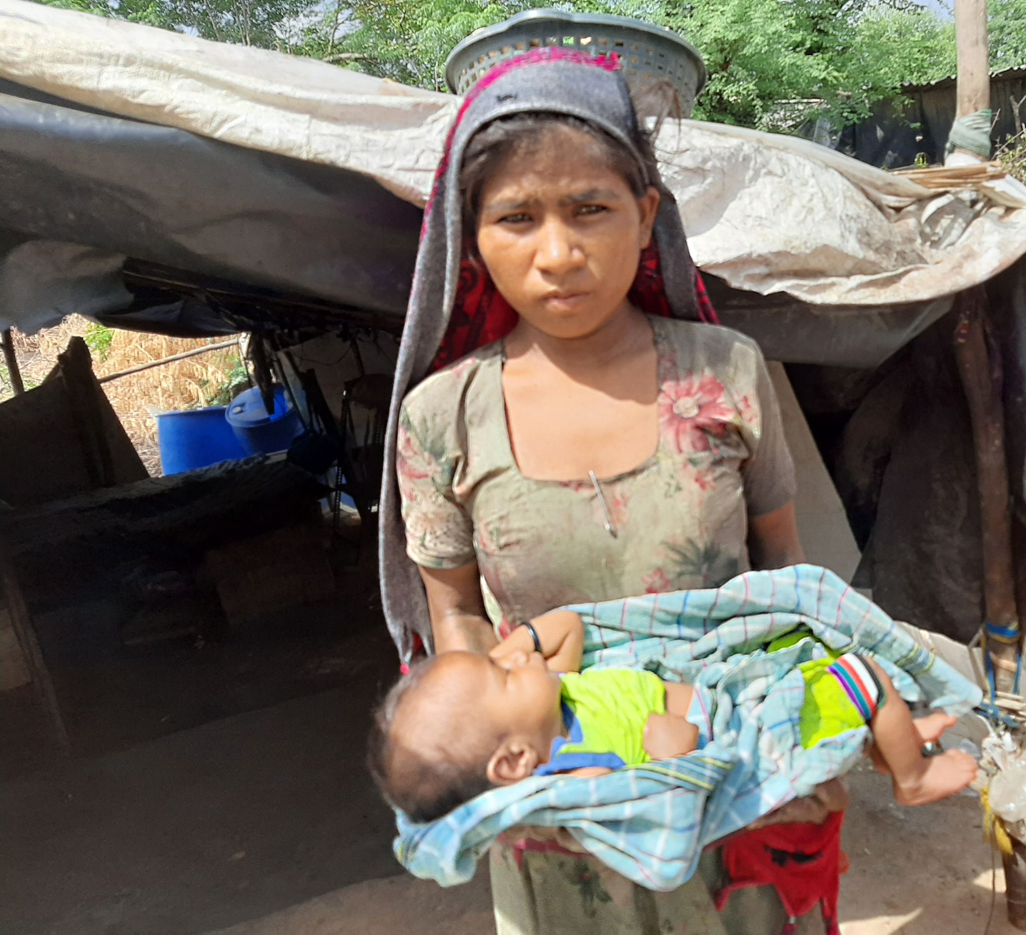 Gujarat: The Indian baby who was abducted twice thumbnail