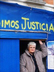 Antonio's mother