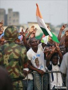 Gbagbo supporters at a rally in Abidjan, Ivory Coast (29 Dec 2010)