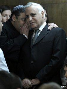 Moshe Katsav at Tel Aviv District Court (30 Dec 2010)