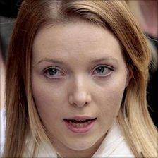 Kate Sheedy speaking outside court in 2008