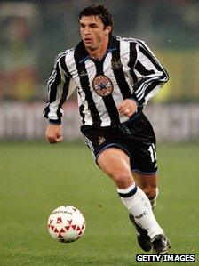Gary Speed of Newcastle United on the ball during the UEFA Cup third round first leg match against Roma at the Stadio Olimpico in Rome on 25 November, 1999.