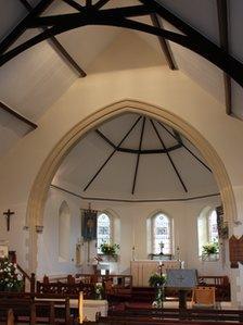 Eglwys Cwmbach ger Aberdâr