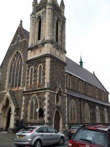 Eglwys Gatholig Rufeinig Eglwys Sant Mihangel, Pill, Casnewydd