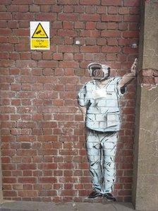 Graffiti diddorol tu hwnt