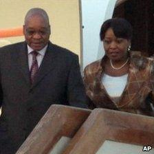 South African President Jacob Zuma and his wife Gloria Bongi Ngema Ntuli at the airport in Beijing