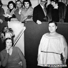 Ex-queen of Spain visits circus in Olympia, London