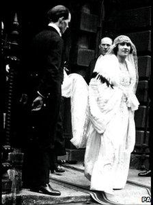 Lady Elizabeth Bowes-Lyon on her wedding day in 1923 leaving her London home