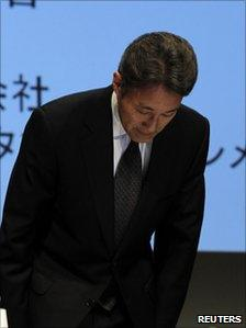 The head of Sony's PlayStation unit, Kazuo Hirai, bows in apology in Tokyo, Japan - 1 May 2011