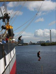 Runners walk the plank on the Glenlee