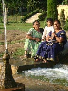 Meeta Sharma with her mother and daughter