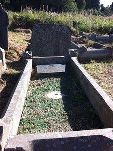Pte Jobbins' grave