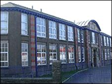 St Ninian's High School - picture courtesy of manxscenes.com