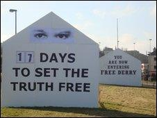 Replica Free Derry Wall
