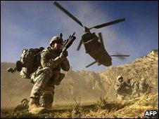 US troops on Afghan-Pakistan border, November 2008