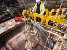 Engineer and valve