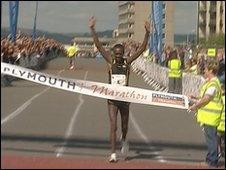 2010 winner Jean Ndayisenga
