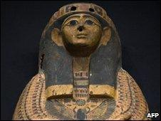 Wooden sarcophagus returned to Egypt from the US (file photo 13 March 2010)