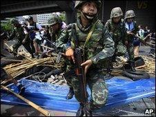 Thai troops in Bangkok (19 May 2010)
