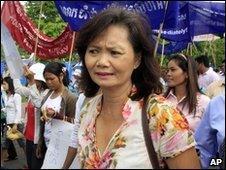 Cambodian opposition leader Mu Sochua at rally in Phnom Penh (1 May 2009)