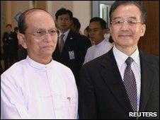 Burmese Prime Minister U Thein Sein and Chinese Premier Wen Jiabao in Naypyitaw, Burma (3 June 2010)