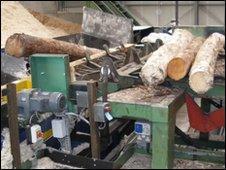 The wood shaving machine