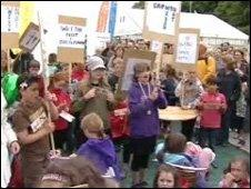 Treganna school protest at the Urdd Eisteddfod
