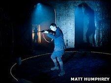 Paul Rattray as Bug in Ditch - © Matt Humphrey 2010