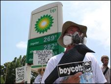 Protesters outside BP garage in Pensacola