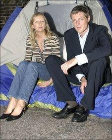 Protester Amanda Wilson and Richmond Park MP Zac Goldsmith