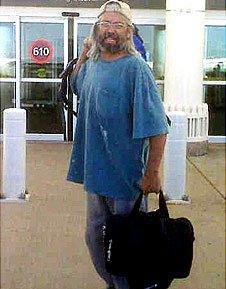 Gary Brooks Faulkner at Denver airport 30.5.10
