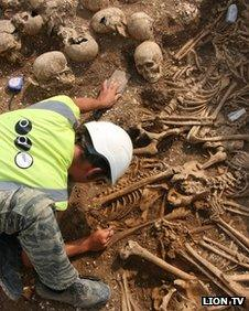 Archaeologist with the skulls