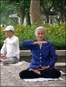 Falun Gong session in Thong Nhat Park in central Hanoi