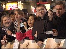 crowds at Modern Warfare launch in London