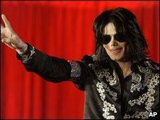 Michael Jackson announces London concerts, March 2009