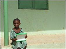 Child in Nigeria with Xo laptop